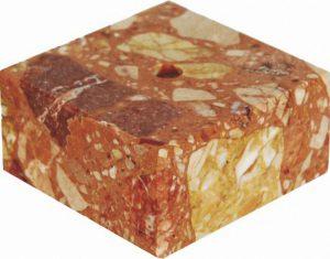 Цоколь мраморный красный 70x70x30 MВР73